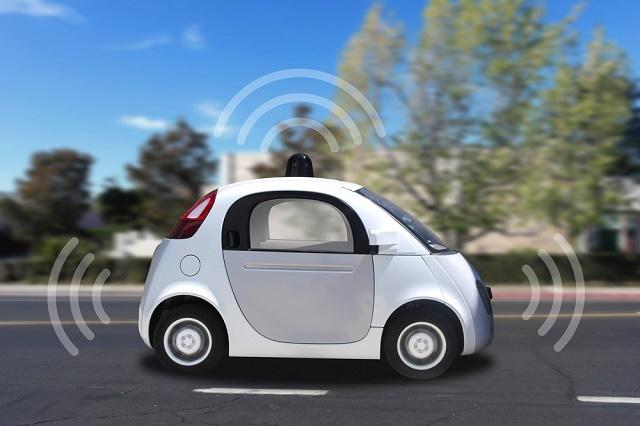 图1:谷歌一直在对自动驾驶汽车进行广泛的道路测试,包括定制汽车和改装标准汽车