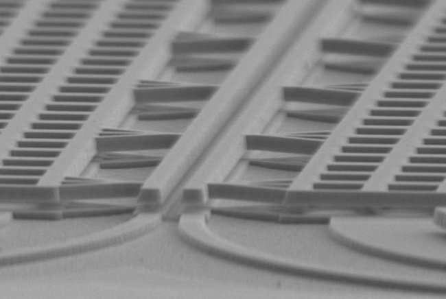 研究者开发新型光学传感器实现纳米测量,可作为激光器和探测器元件