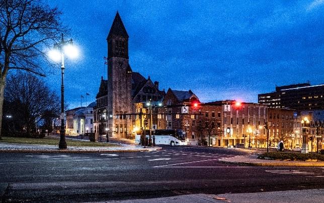 奥尔巴尼拥有新的LED路灯,可以成为物联网传感器和低收入社区互联网访问的枢纽。升级是纽约州首先对500万盏路灯进行大修的一部分。该路灯预计于2018年完成,预计于2025年完成。.jpg