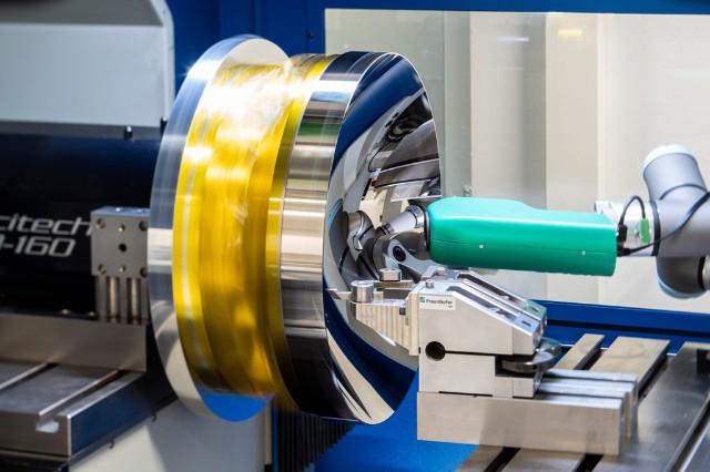 Fraunhofer IOF开发的带有光散射传感器的金刚石车削过程中的粗糙度检查。.jpg