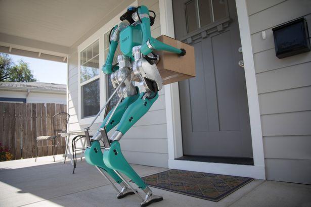 福特开发出的带激光雷达传感器的送货机器人