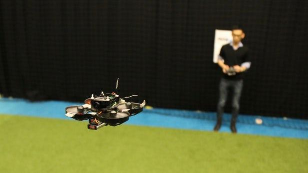 MAVLab开发的自主飞行竞速无人机