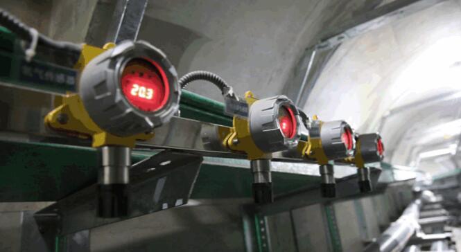 香湖隧道内安装有包括氧气传感器在内的多种有毒有害气体检测仪