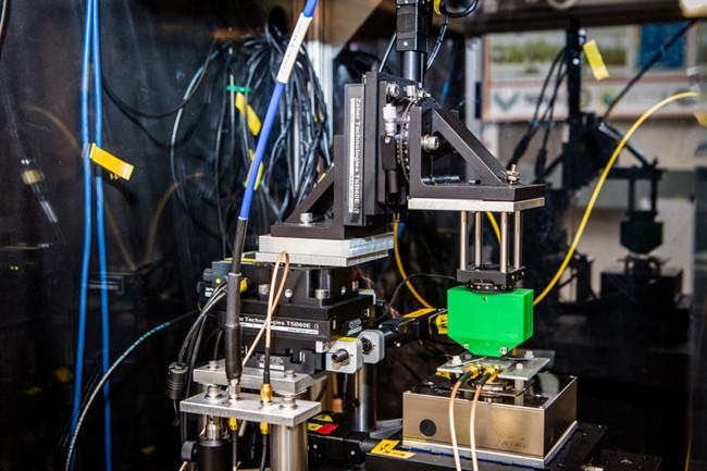 物理学家发明量子传感器 可在多个维度测量原子级尺度磁场
