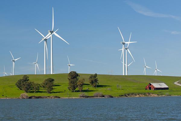 位移传感器在风力发电机监视系统中的应用