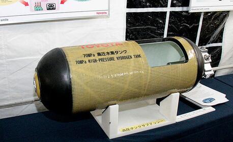丰田氢燃料电池车为氢储罐装备了氢气传感器进行实时监控