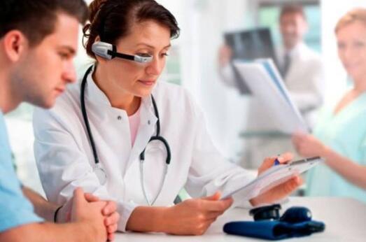 医疗可穿戴设备在国内外的应用与发展