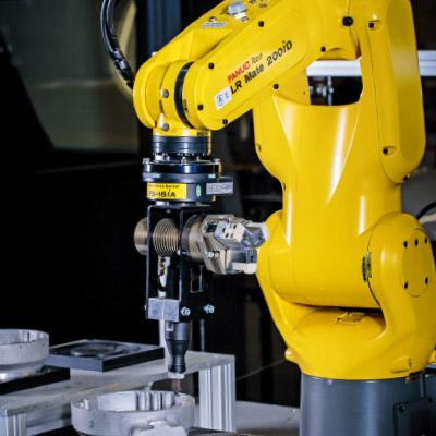 力觉传感器可提高机器人与外界配合、协作的效率