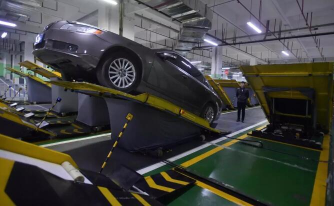 接近开关在全国首个斜置停车系统中的应用