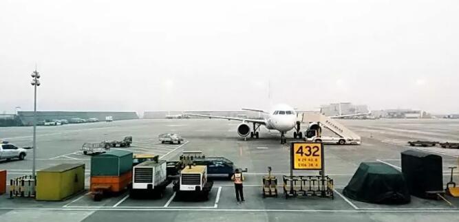 大兴机场全国率先使用超宽带技术 室内定位精度达十厘米