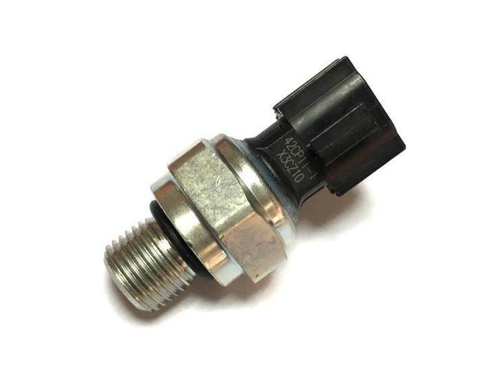 挖掘机增压压力传感器故障