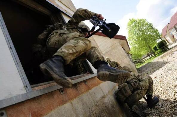 英国开发可提高士兵跟踪和态势感知能力的可穿戴传感器