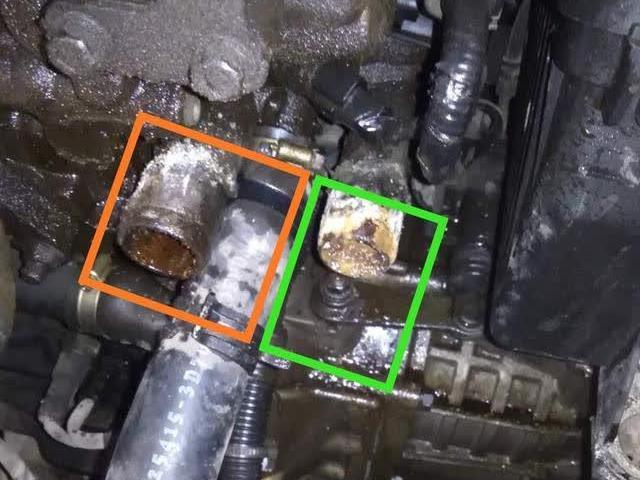 发动机冷却液温度传感器故障