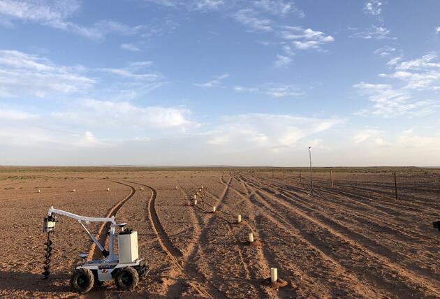 种树机器人让阿拉善实现沙漠绿洲