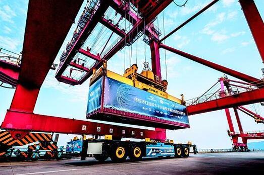 智能港口转运车借激光雷达技术实现高精度定位