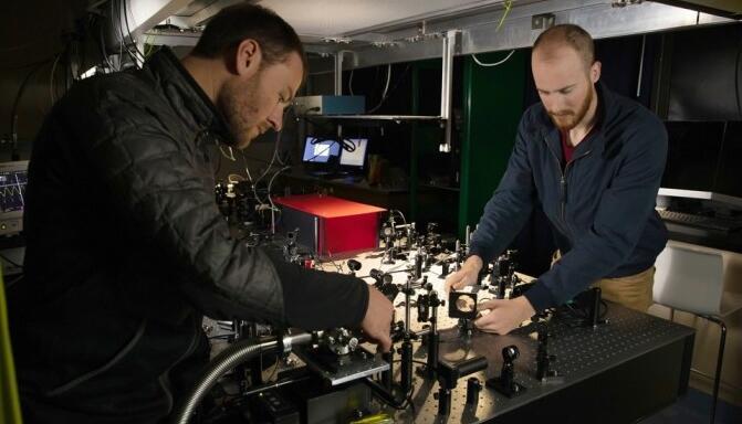 新型微型传感器能机械测量光线 可用于医学成像