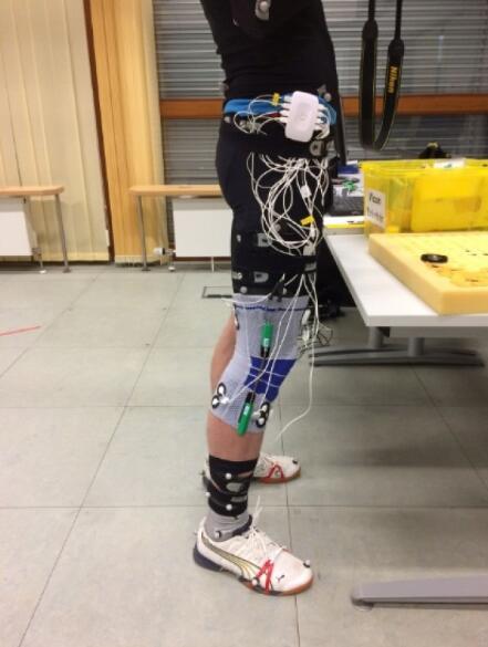 智能绷带利用IMU传感器监测关节炎患者膝盖张力情况