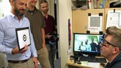 内置IMU传感器的眼动追踪技术可始终跟踪眼睛聚焦的位置