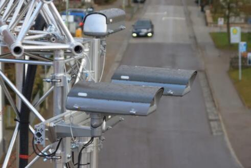 德国为路灯内置激光雷达传感器!博世在德国测试交通安全传感器新项目